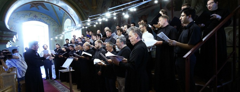 The 40-Voice Men's Choir Sings at Saratov's Church of the Protection
